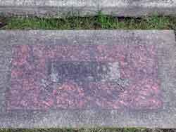 Harold-Dykstra-Headstone
